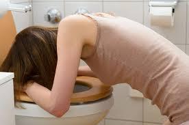 Donna che vomita
