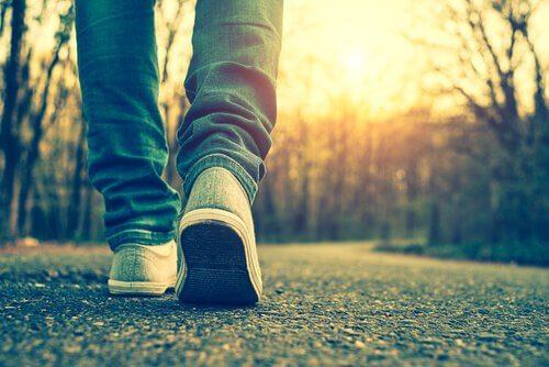 persona che cammina